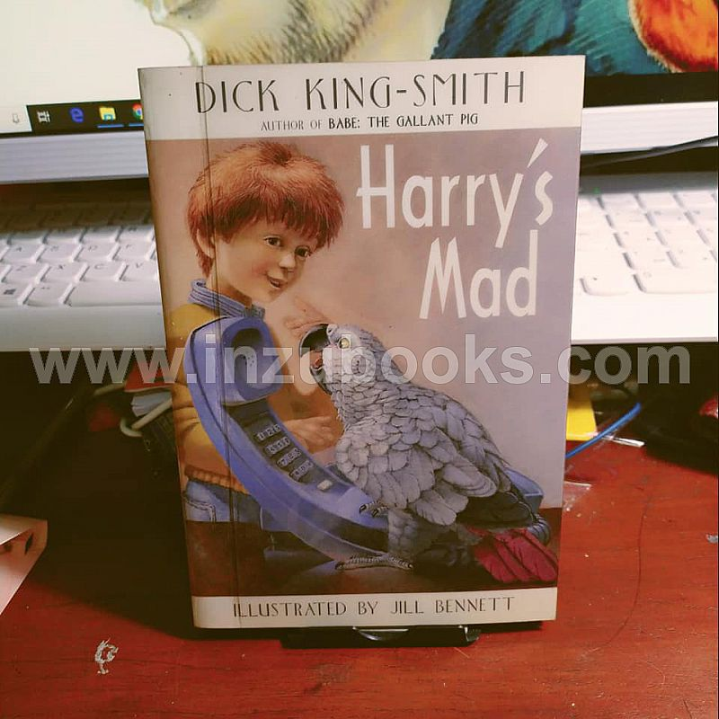 1908 Dick King-Smith: Harry's Mad